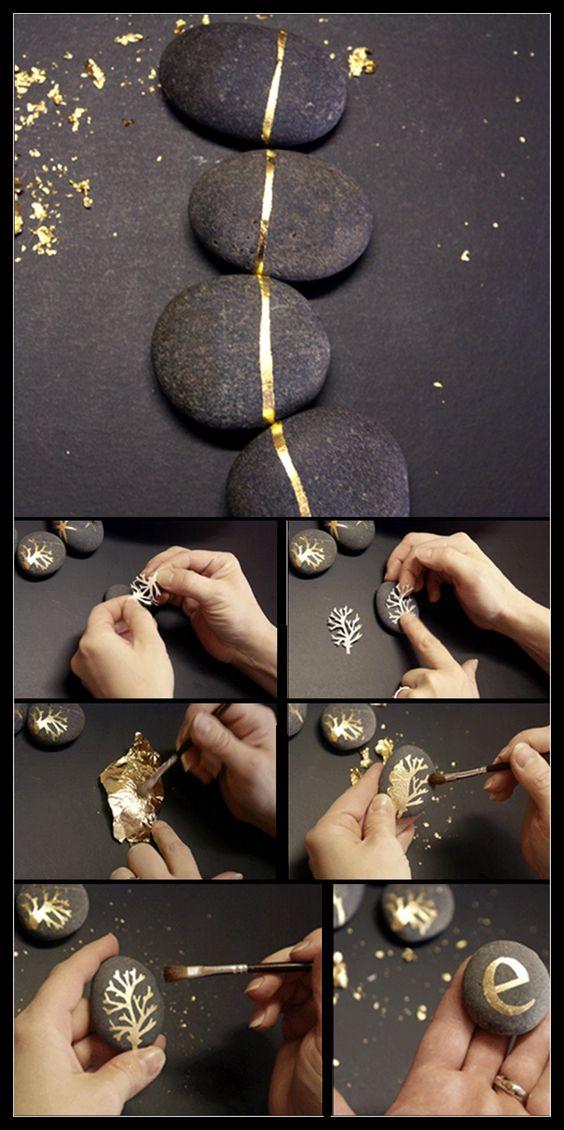 Goldbemalte Steine