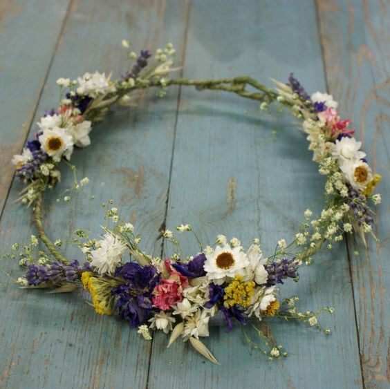 Our rustic, country, dried flower collections are a great alternative for creating a wild, bohemian look to your wedding day.Also available as a full crown for an extra £10.These hair crowns are great for weddings abroad and you get to keep them afterwards to either give away as a gift or as a memento of your big day. All our designs are handmade to order, so please allow on average at least three weeks for dispatch to the UK , which are sent by HERMES/Royal Mail tracked and signed. ( NOTE: we