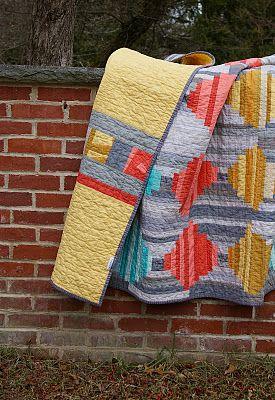 Love this quilt - Court House Steps in solids