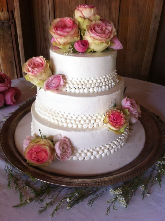 cabbage rose wedding cake