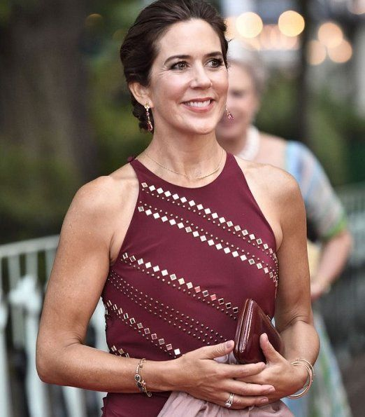 http://www.newmyroyals.com/2018/08/crown-princess-mary-and-princess.html