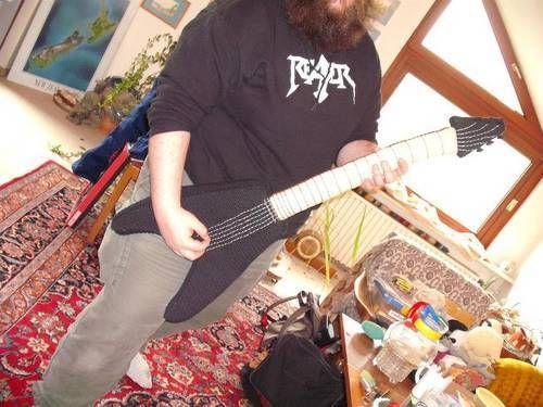 Stuffie for not so hard heavy-metal-fans - CROCHET