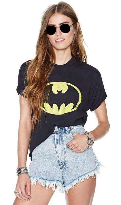 Camiseta Feminina Logo Batman - Compre Online | DMS Boutique  #moda #modafeminina #camisetabatman