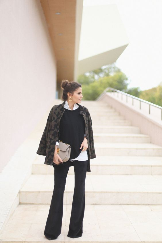 Basic black sweater | seams for a desire