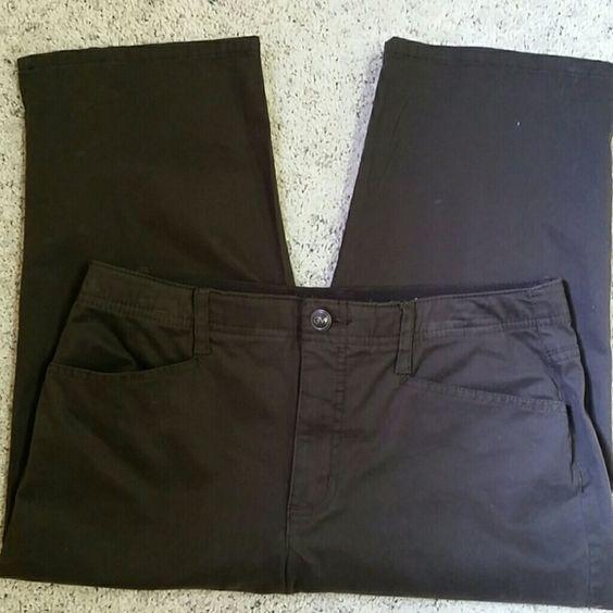 Gloria Vanderbilt brown Capri pants | The very, Buttons and Capri