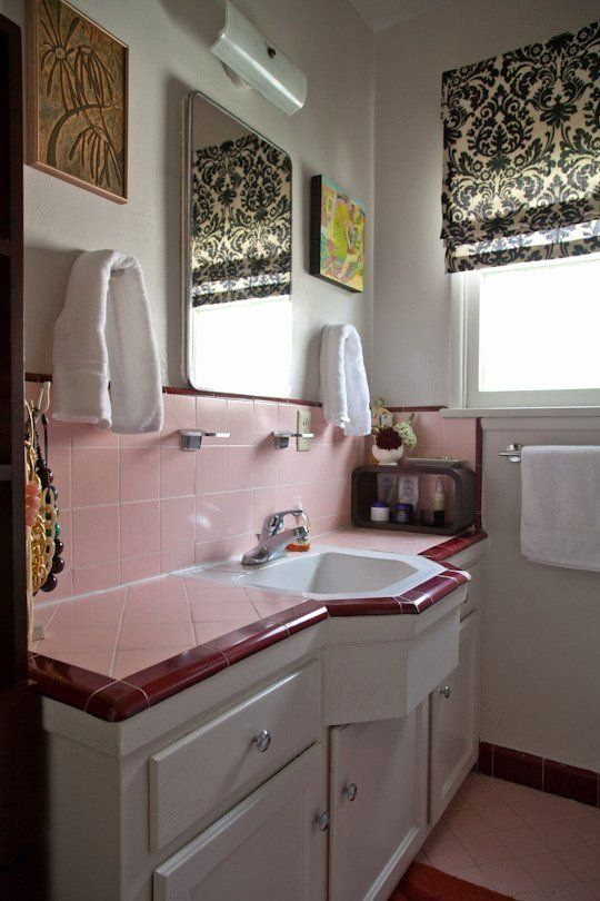 Pink Tiled Bathroom Ideas Fresh 73 Best Images About What To Do With A 50 S Pink Bathroom On Pinter In 2020 Pink Bathroom Tiles Vintage Bathroom Tile Vintage Bathrooms