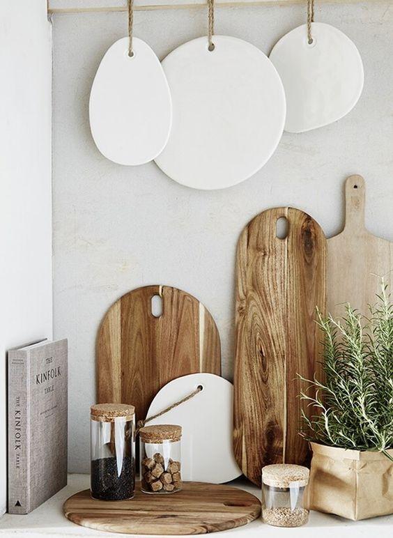 La Planche A Decouper Dans La Deco De Votre Cuisine Objet Deco Maison Deco Maison Decoration Maison