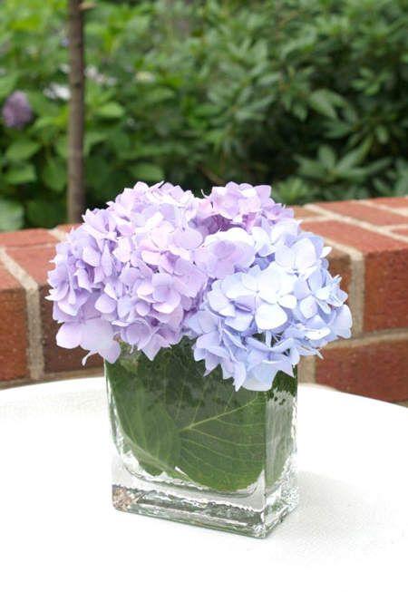 Llena de color tu casa con arreglos florales de verano. Hoy te mostramos lo que puedes hacer con hortensias, flores silvestres y lavanda.:
