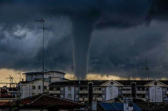 25 απίστευτες φωτογραφίες που είναι εντυπωσιακά τρομακτικές