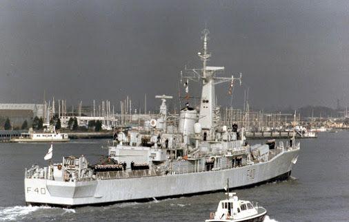 Hms Sirius F40 Royal Navy Frigates Navy Ships Warship