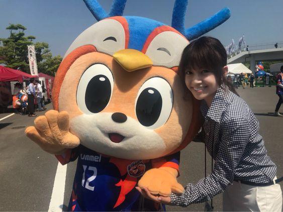 マスコットキャラクターと中川絵美里