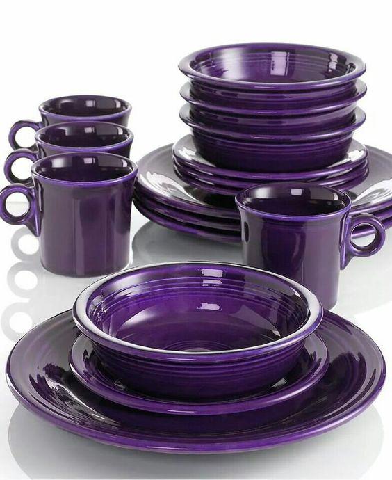 purple dishes... love