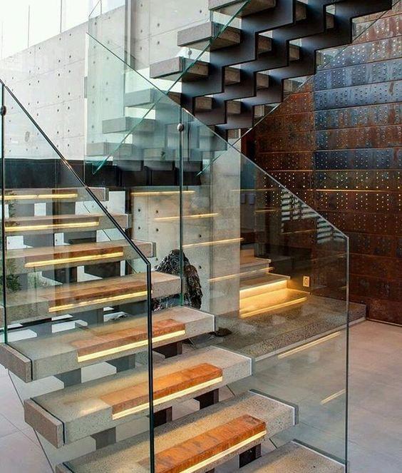 Escaleras donde destacan varios detalles, #iluminación en peldaños