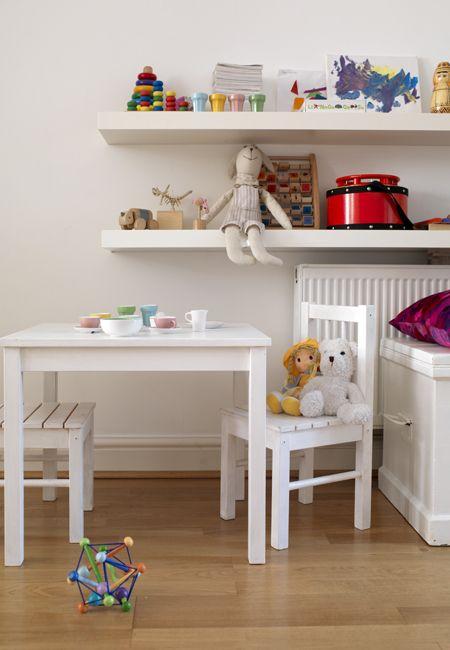 Mesa y silla ikea para ni os cuarto de juegos - Casa ninos ikea ...