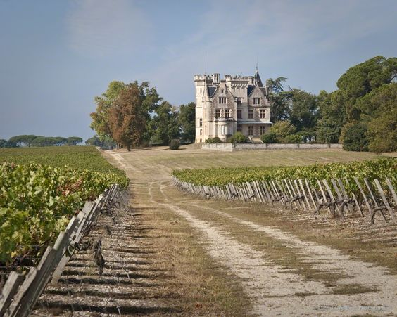 Ch teau lanessan lays in the haut m doc appellation for Chateau lanessan