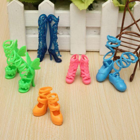 5 Paar Barbie und Familie Puppe Dolls Sandale Boots hochhackige Schuhe Zubehör