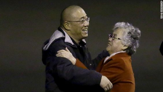 Two Americans freed by North Korea arrive back in U.S., reunited with families
