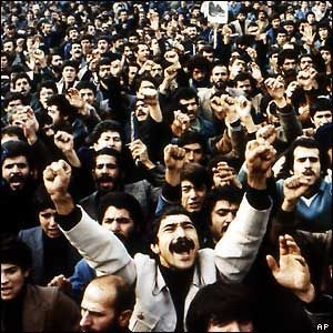 Compare and contrast Iranian and Egyptian revolutions?