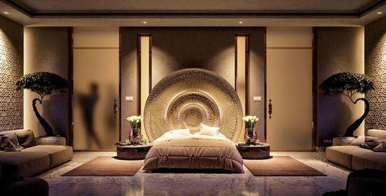 Luxuriöses Schlafzimmer mit Einbauleuchten