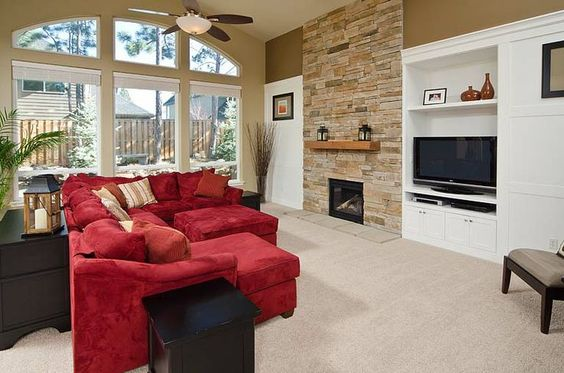This fireplace uses Aspen Country Ledgestone from Cultured Stone