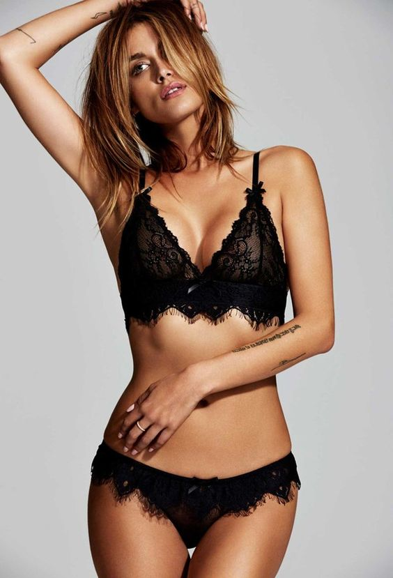 Luxury lingerie brands Valentine's Day