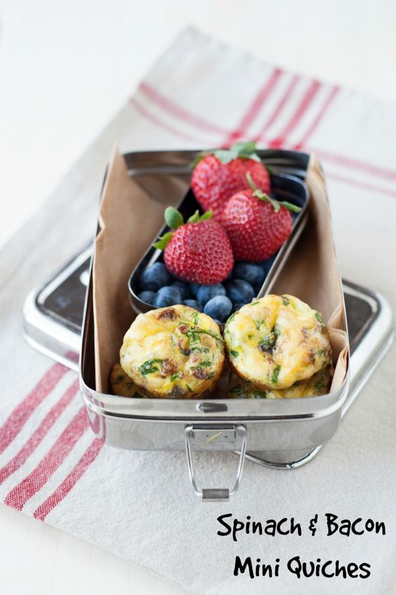 grain free school lunch idea: spinach and bacon mini quiches