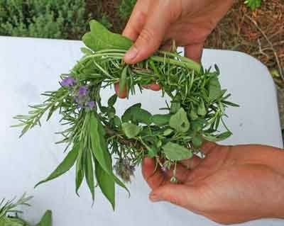 Jim Long's Garden: Make a Cooking Wreath