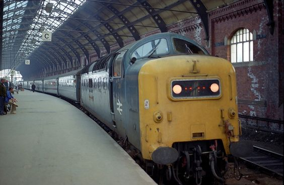 55022 'Royal Scots Grey' calls at Darlington on 11th June 1980 with the 1S76 Kings Cross - Edinburgh. (Andy Hoare)