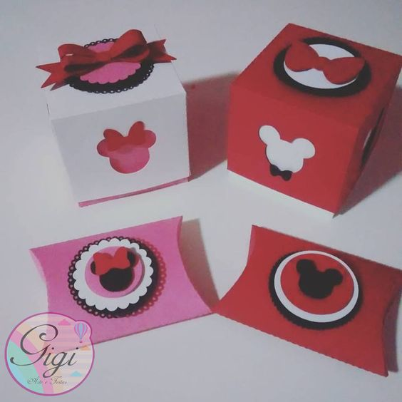 Minnie e Mickey Mouse, coleção em scrap!!! Em breve na loja do elo7.  www.elo7.com.br/gigiarteefestas