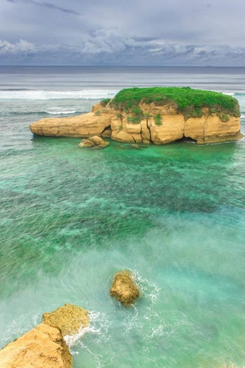 "This place very beautiful ""Sungkun Beach"" in East Lombok :)"