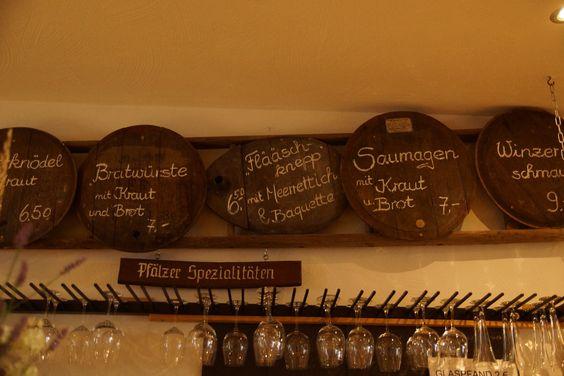 """In diesem Restaurant in Rheinland-Pfalz gibt es die typischen Pfälzer Spezialitäten. Dazu gehören zum Beispiel """"Saumagen""""und """"Flääschknepp"""". Die Pfälzer Küche bietet noch vielmehr deftige und leckere Speisen und auch den passenden Wein dazu. In Rheinland-Pfalz gibt es außerdem auch tollen Schmuck. Informationen finden sie auf unserer Seite www.jewels24.de #pfalz #saumagen #wein #spezialitaeten"""