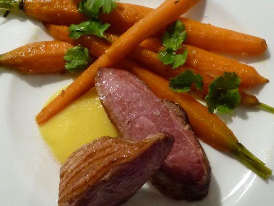 Magret de canard sauce orange curd, carottes citron coriandre
