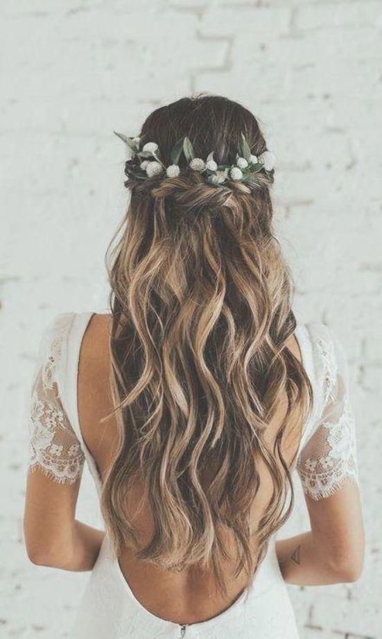 42 Gorgeous Wedding Hairstyles Ideas To Inspire Your Wedding Day Updo Wedding Hairstyles With Green Wavy Wedding Hair Flower Crown Hairstyle Bridal Hair Down