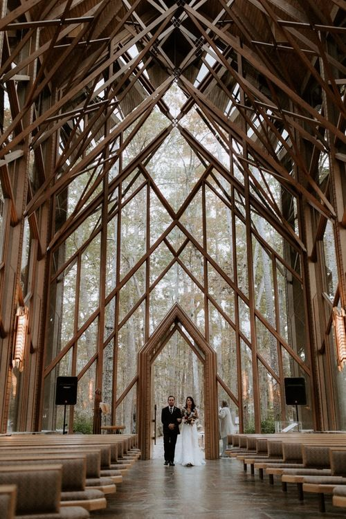Intimate Wedding At Anthony Chapel In Hot Springs Arkansas In 2020 Anthony Chapel Arkansas Wedding Venues Arkansas Wedding