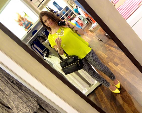 I've been wanting to wear my gray leopard jeans with neon, but I need to get a neon top!
