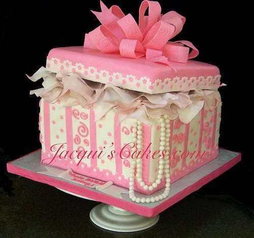 Cake Gift Box Fondant : White and pink one tier gift box wedding cake is decorated ...