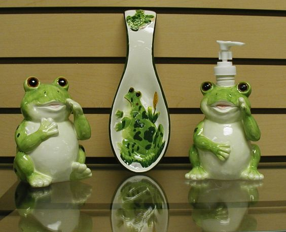 Frog decor frogs decor collectibles jewelry art for Frog bathroom ideas
