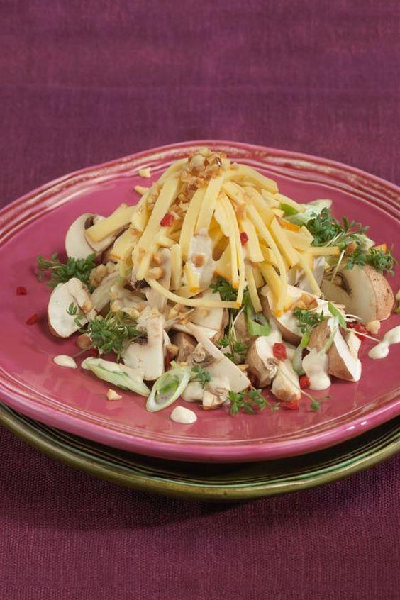 Frischer Champignon-Käse-Salat