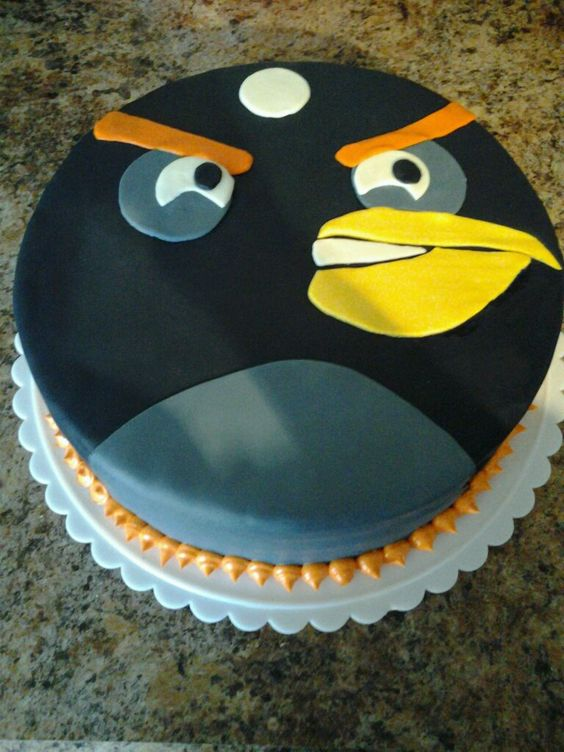 Bomb bird fondant cake, from angry birds cakes ...