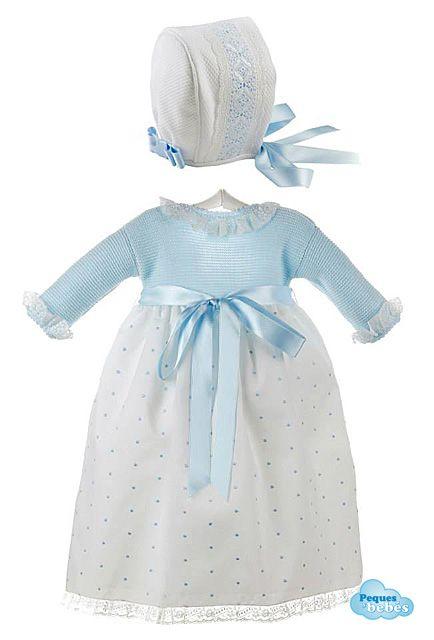 Conjunto de faldón para bebés y recién nacidos con el cuerpo tejido en punto bobo y la falda de plumeti y capota a juego de piqué con encaje de batista suiza . http://www.pequesybebes.es/ropa-bebe-batones/330-conjunto-faldon-capota-bebe-ceremonia-plumeti.html