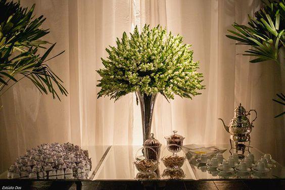 Decoração Marcos Casa Blanca - Galeria decorações casamentos http://www.sitedanoiva.com.br/decoracao-de-casamento-curitiba-marcos-casa-blanca-design-floral-decoracoes-brancas.html