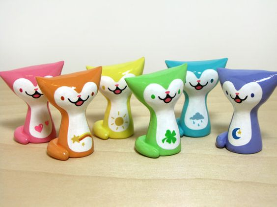 Catsparella is giving a Magic Bean Buyer Collectible Clay Kitty Figurine to one lucky reader!
