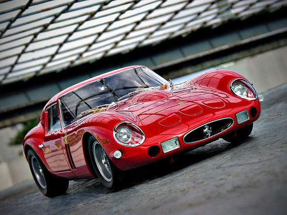 Red Hot! | Ferrari 250 GTO | photo by Autobellissima via Flickr.