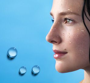 10-goldene-Regeln-die-Ihnen-dabei-helfen-Ihre-Haut-Tag-für-Tag-zu-pflegen