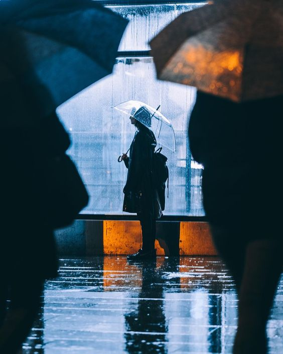 Moody And Cinematic Street Photography By Alex Fernández