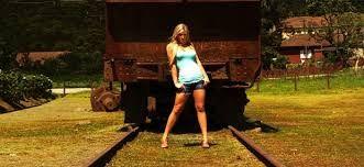 Resultado de imagem para ensaio fotografico linha de trem