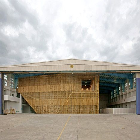 Taichung Infobox by Stan Allen is an installation of bamboo scaffolding covering a 240 hectare airplane hanger in Taichung, Taiwan.