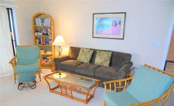 Relaxing Condo with Lanai & Community Pool