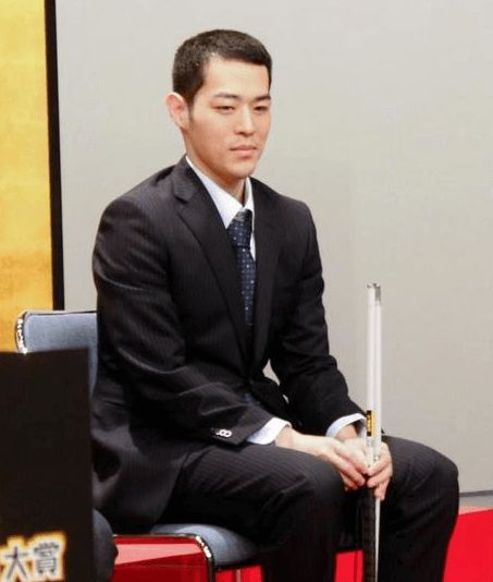 インタビューを受ける濱田祐太郎さん