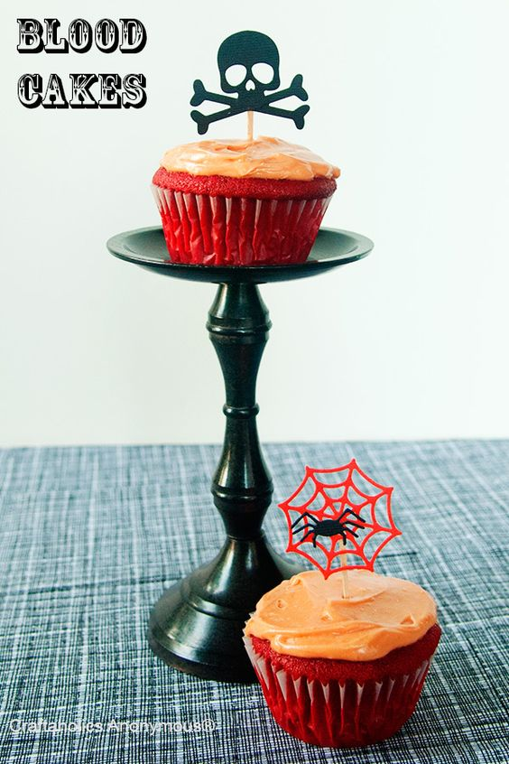 Delicious Blood Cakes (aka red velvet) -perfect for Halloween!